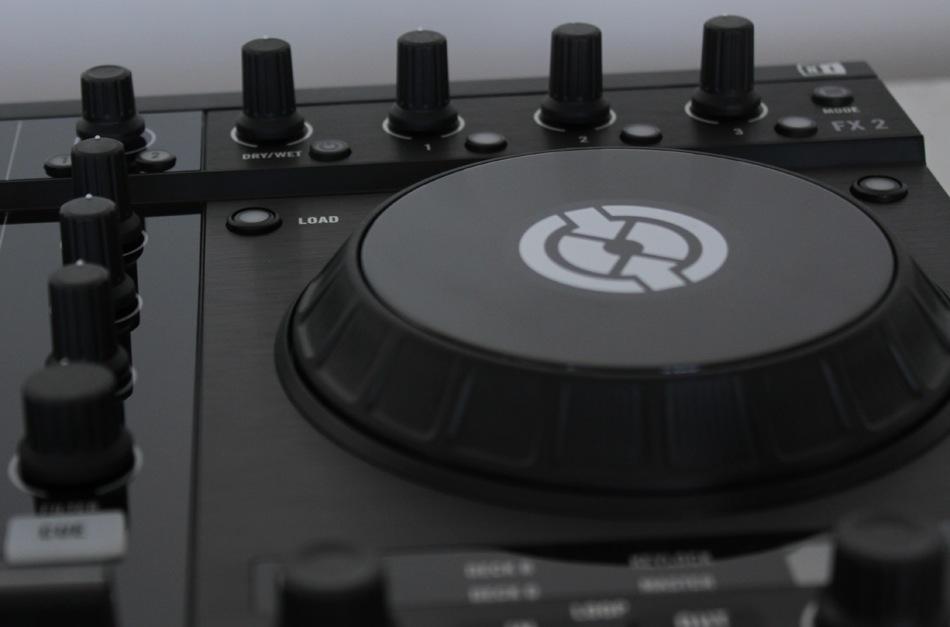 Native Instruments Traktor Kontrol S4 Review - DJ TechTools