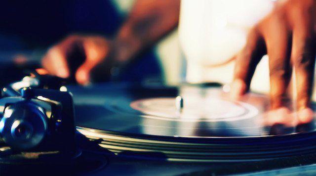 Why New DJs Should Start on Vinyl - DJ TechTools