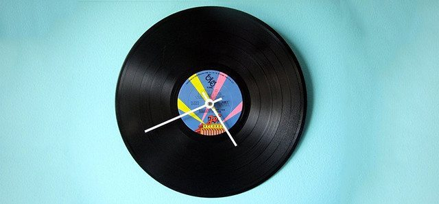 clock-vinyl