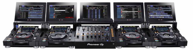 The full setup: four CDJ-TOUR1s and a DJM-TOUR1 (click to zoom)