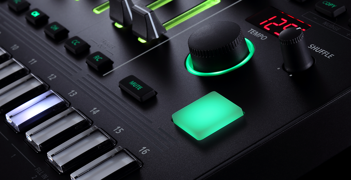 Roland TR 8S: Sample Import and 8 channel Output DJ TechTools