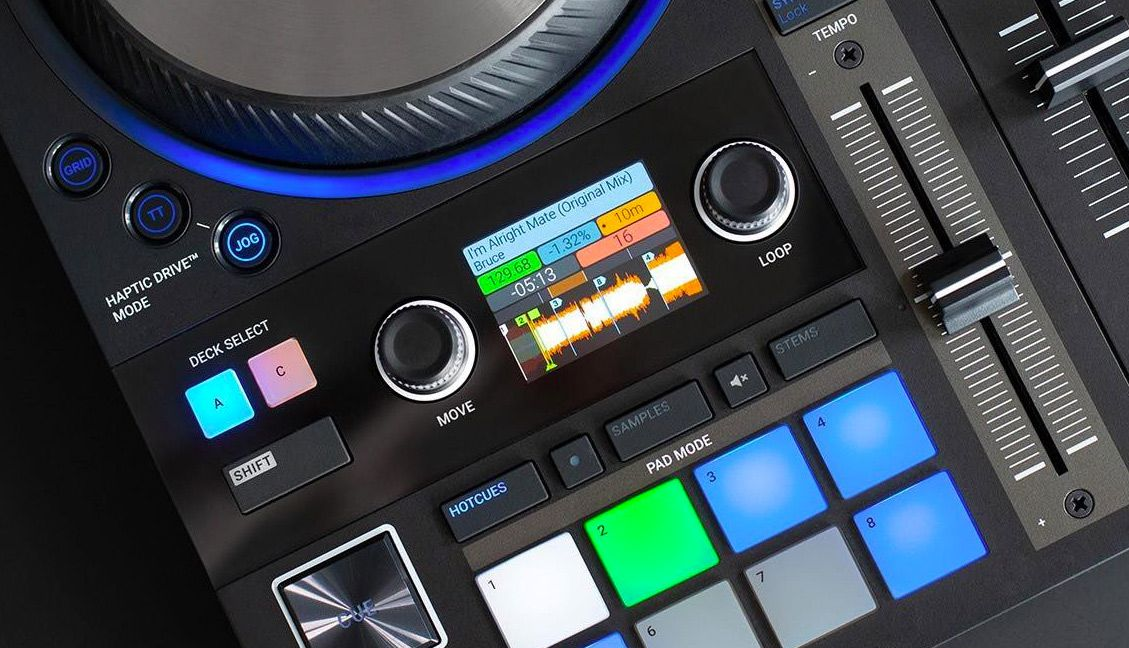 Traktor Mod Adds Moving Waveforms to S4MK3s Screen Display - DJ